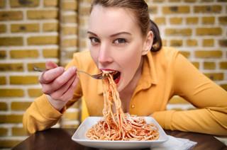 パスタを食べる画像.jpg