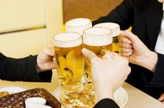 ビールで乾杯の画像.jpg