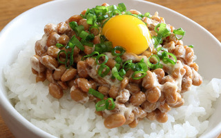 卵納豆ごはんの画像.jpg