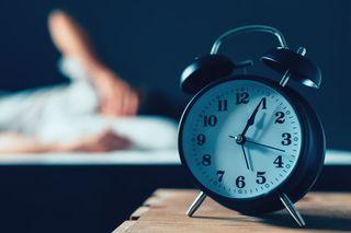 目覚まし時計の画像.jpg