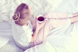 紅茶を飲む画像.jpg