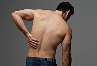 腰痛の画像.jpg