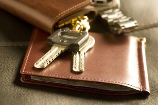 財布と鍵の画像.jpg