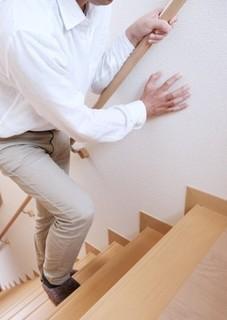 階段を上る画像.jpg